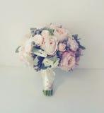 软的葡萄酒照片柔和的婚礼花束 库存图片