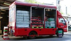 软饮料送货卡车 免版税图库摄影
