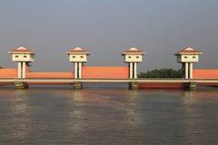 轰隆灌溉的pakong水坝 库存图片