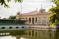 轰隆痛苦宫殿在阿尤特拉利夫雷斯 免版税库存照片