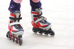 轴向路辗鞋子滑冰 免版税库存照片