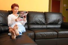 轻松的妇女 免版税库存照片