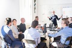 轻松的非正式IT交易起步公司队会议 免版税图库摄影