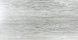 轻的白色洗涤了软的木纹理表面作为背景 难看的东西粉刷了被涂清漆的木板条桌样式顶视图 图库摄影