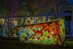 轻的设施在一个公园在香港在晚上 库存照片