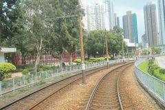 轻的路轨运输在屯门hk 库存照片