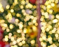 轻的Bokeh圣诞树 免版税库存照片