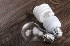 轻的bult和挽救电灯泡 免版税库存照片