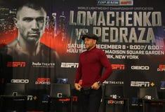 轻量级世界冠军在最后的新闻招待会期间的瓦西里Lomachenko在标题与何塞佩德拉萨的统一战斗前 图库摄影