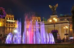 轻音乐喷泉在独立广场的基辅 库存照片