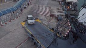 载汽车轮船离开 影视素材
