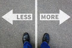 较少是更多企业概念决定投降改善生活 库存图片