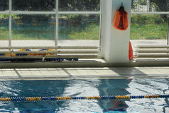 辅助部件池游泳 库存照片