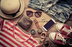 辅助部件和服装旅游业偶然lifestyl 免版税图库摄影