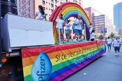 辉瑞制药有限公司配药,威耳阿格拉制造商,在2015年Fierte蒙特利尔(同性恋自豪日)游行 免版税库存图片
