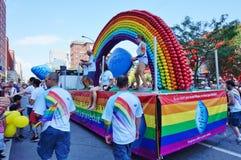 辉瑞制药有限公司配药,威耳阿格拉制造商,在2015年Fierte蒙特利尔(同性恋自豪日)游行 免版税库存照片