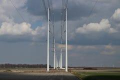 输电线Wateringen之间的连接380KV的建筑 库存图片