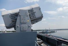 辗压在轻武装快舰的飞机机架导弹 图库摄影