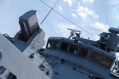 辗压飞机机架在德国海军轻武装快舰的导弹系统 库存照片