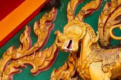 辛哈在佛教泰国寺庙的sclupture雕象 库存图片