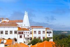 辛特拉宫殿在夏天 镇宫殿 免版税库存图片