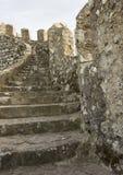 辛特拉摩尔人城堡楼梯  免版税库存图片
