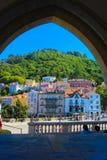 辛特拉村庄正方形,旅行里斯本,摩尔人城堡,镇宫殿阳台 库存图片