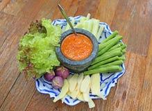 辣椒与菜的螃蟹鸡蛋 免版税库存照片