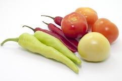辣椒和蕃茄在焦点 库存图片