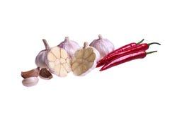 辣椒和garlik在切面图 图库摄影