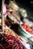 辣椒在传统市场magetan东爪哇印度尼西亚上 免版税库存图片