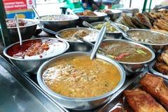 辣椒酱品种出售的在萨潘Khwai,曼谷,泰国 图库摄影