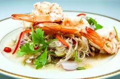 辣沙拉用虾 它是普遍的泰国食物 草本气味 免版税库存图片