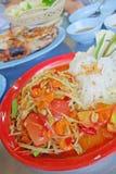 辣番木瓜沙拉,泰国样式食物 库存图片