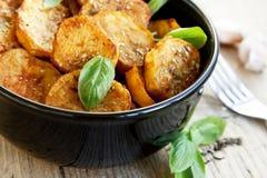 辣被烘烤的土豆 库存照片