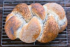 结辨的面包大面包  免版税库存图片