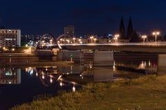边界桥梁看法在奥得河的在波兰和德语之间 库存照片