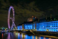 从边的伦敦眼 库存图片