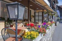 边路咖啡馆大阳台 库存照片