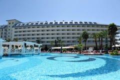 边,土耳其- 2014年4月16日:豪华五星边的旅馆水晶海军上将Resort 是一个普遍的旅游目的地 免版税库存图片