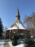 达尔沃沃波兰,圣徒格特鲁德教会在冬天 免版税图库摄影