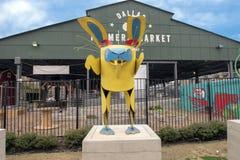 达拉斯农夫市场用异想天开的兔子,六个金属雕塑之一,达拉斯,得克萨斯 库存照片