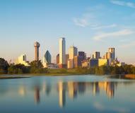达拉斯城,得克萨斯,美国的反射 免版税库存图片