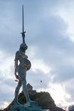 达米恩・赫斯特的真理看法在Ilfracombe港口的 库存照片