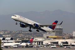 达美航空波音757-200飞机洛杉矶国际劳工联盟 图库摄影