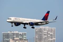 达美航空波音757-200飞机 免版税库存照片