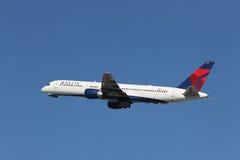 达美航空波音757-232 免版税库存图片