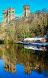 达翰姆大教堂从威尔河的冬天场面 图库摄影