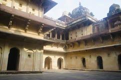 达蒂亚宫殿内部看法  亦称Bir辛哈宫殿或Bir辛哈Dev宫殿 达蒂亚 中央邦 免版税库存照片