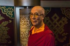 达赖喇嘛,藏族的精神领袖在杜莎夫人蜡象馆博物馆 免版税库存照片